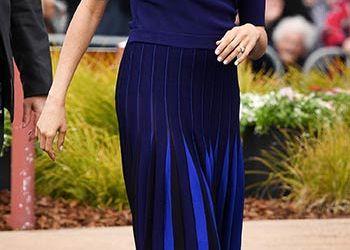 الأزرق .. اللون المفضل لدي الملكات فى كل المناسبات.. من الخطوبة للكاجوال
