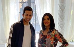 """دنيا سمير غانم تهنئ هشام جمال على"""" فى بيتنا روبوت """" : مسلسل كوميدى جميل"""