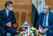 وزير الدفاع الوطنى بكوريا الجنوبية مع وزير الانتاج الحربى